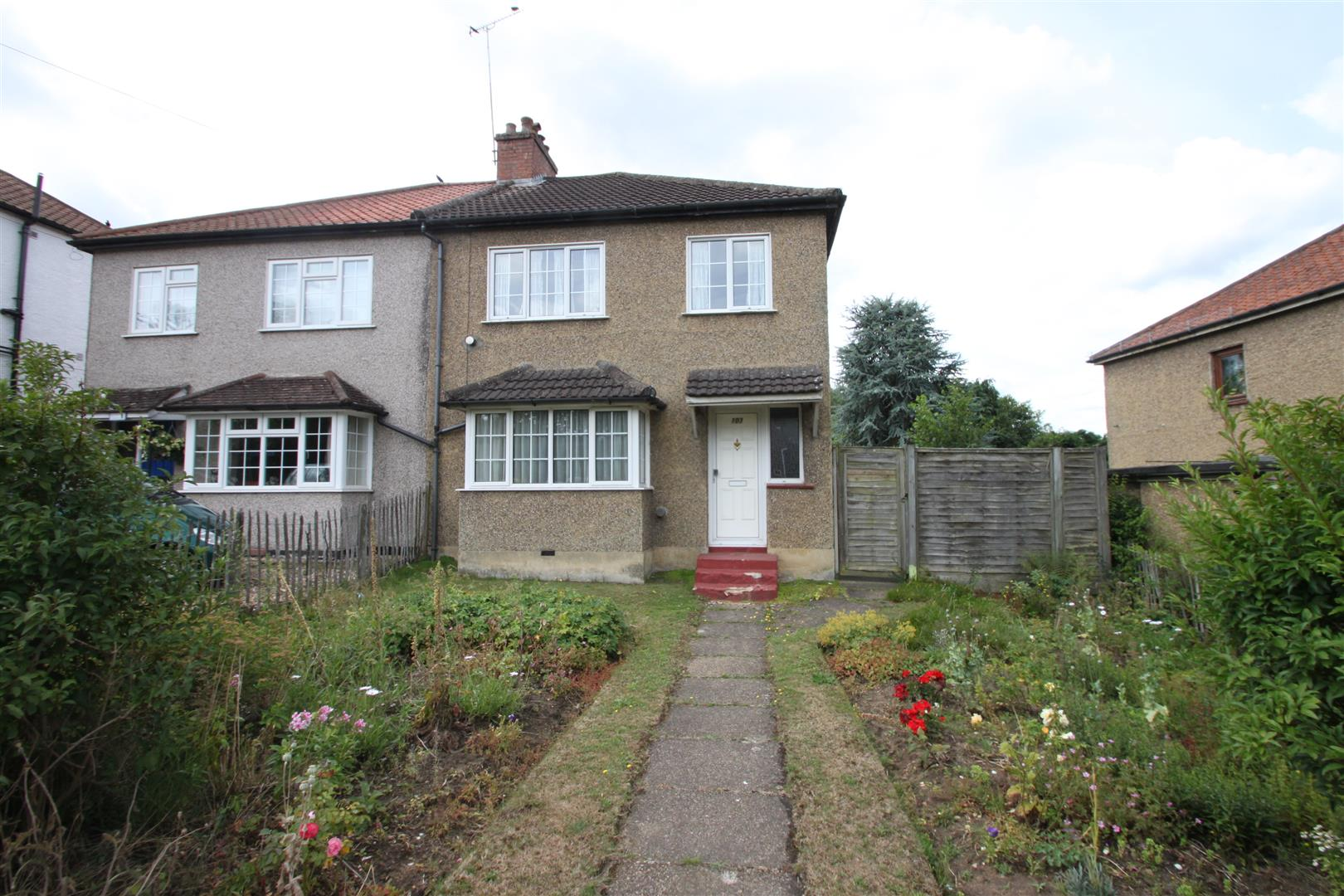 3 Bedrooms Semi Detached House for sale in Hillingdon Avenue, Sevenoaks